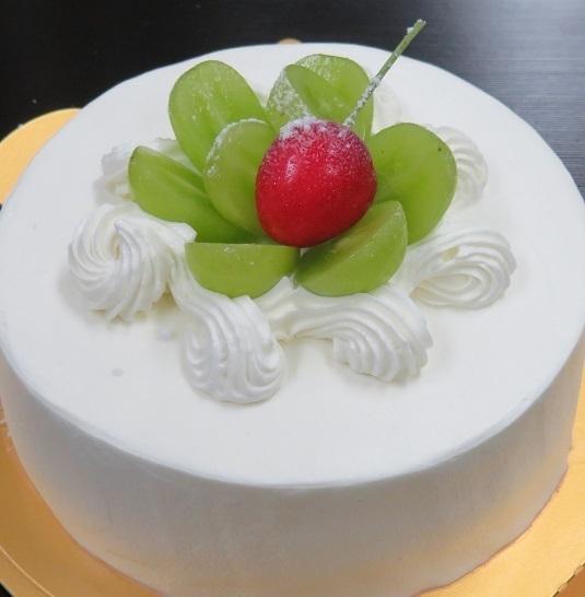 お誕生日、記念日にケーキはいかがですか